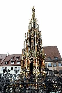 Golden fountain, Nuremberg